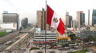 In a BBC interview, experts state that Peru has room for maneuver in the face of the crisis.